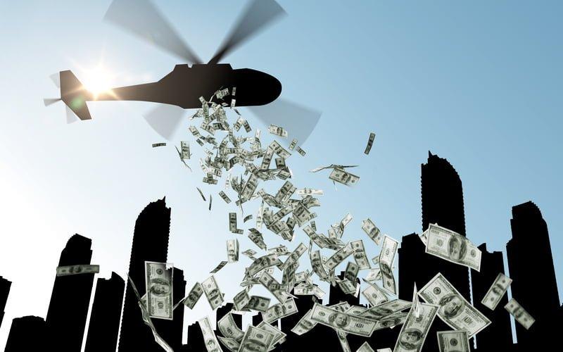 האם נכון לחלק כסף (מענק קורונה) לכל האזרחים?